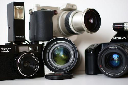 Digitalkameras im Test: Testsieger Info stellt die besten Digicams 2009, 2010, 2011, 2012 vor
